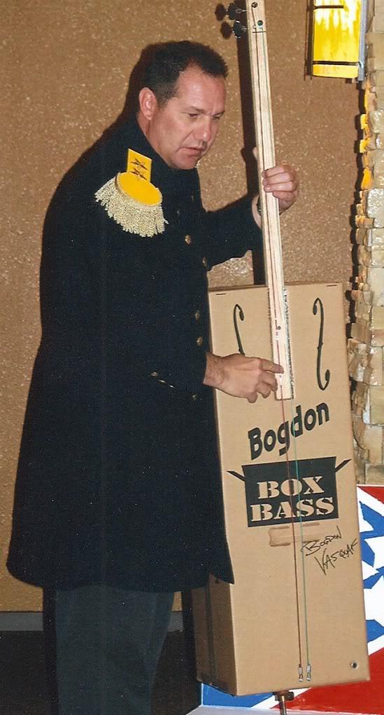 Daveplaysboxbass